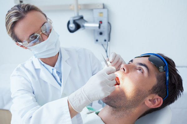 Repair broken teeth in Fulham & Hammersmith